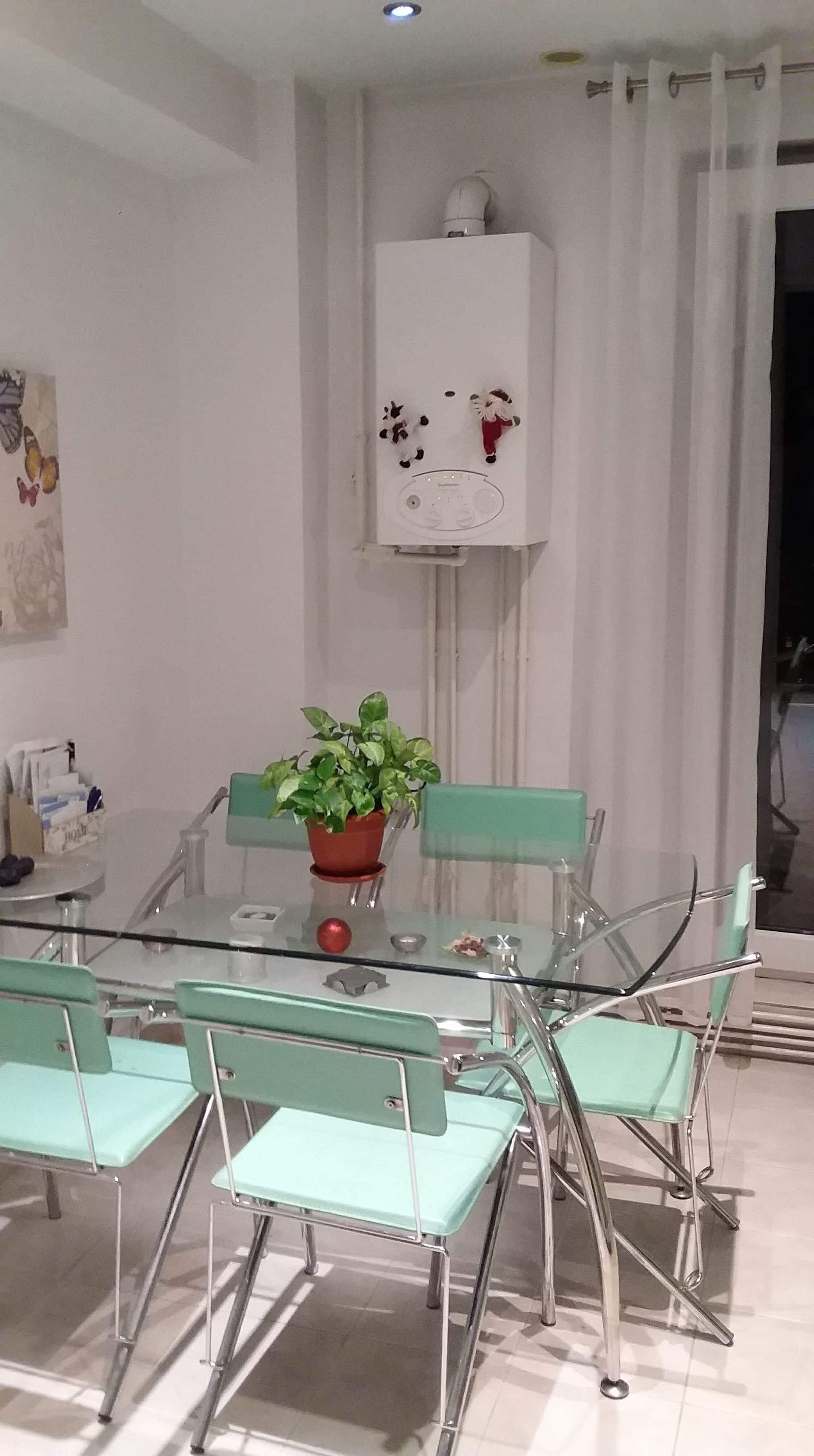 Apartament 2 camere decomandat de vanzare, Tg Mures Tudor B- dul Pandurilor