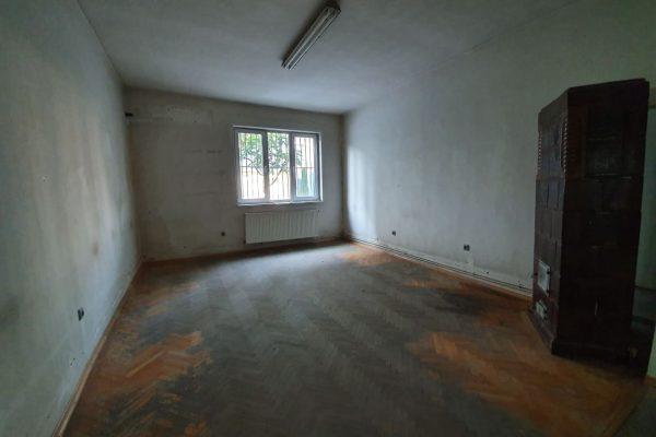 Casa/ spatiu singur in curte de inchiriat, Targu Mures Zona Semicentral