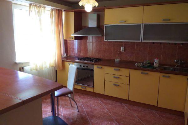 Apartament 4 camere de vanzare, Targu Mures Rovinari