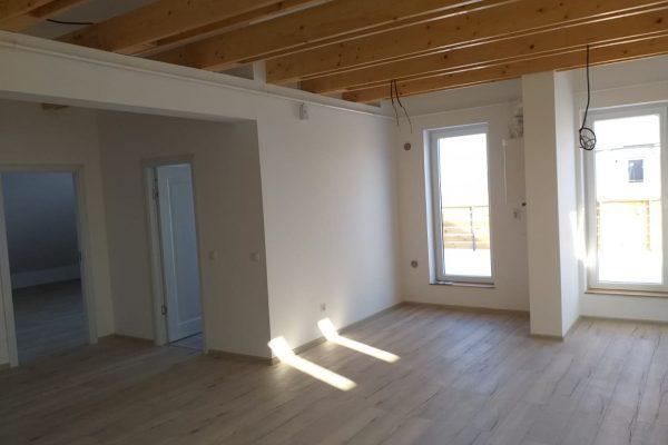 Apartament Penthouse cu 2 camere de vanzare Targu Mures,Unirii