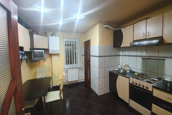 Apartament 3 camere de vanzare zona Tudor Fortuna , Targu Mures Mures