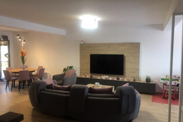 Casa triplex lux de vanzare zona rezidentiala Unirii Targu Mures