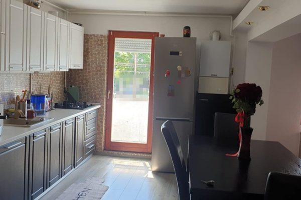 Apartament 4 camere de vanzare Unirii Targu Mures, Mures